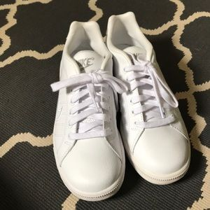 Nike | All White Sneakers Size 8